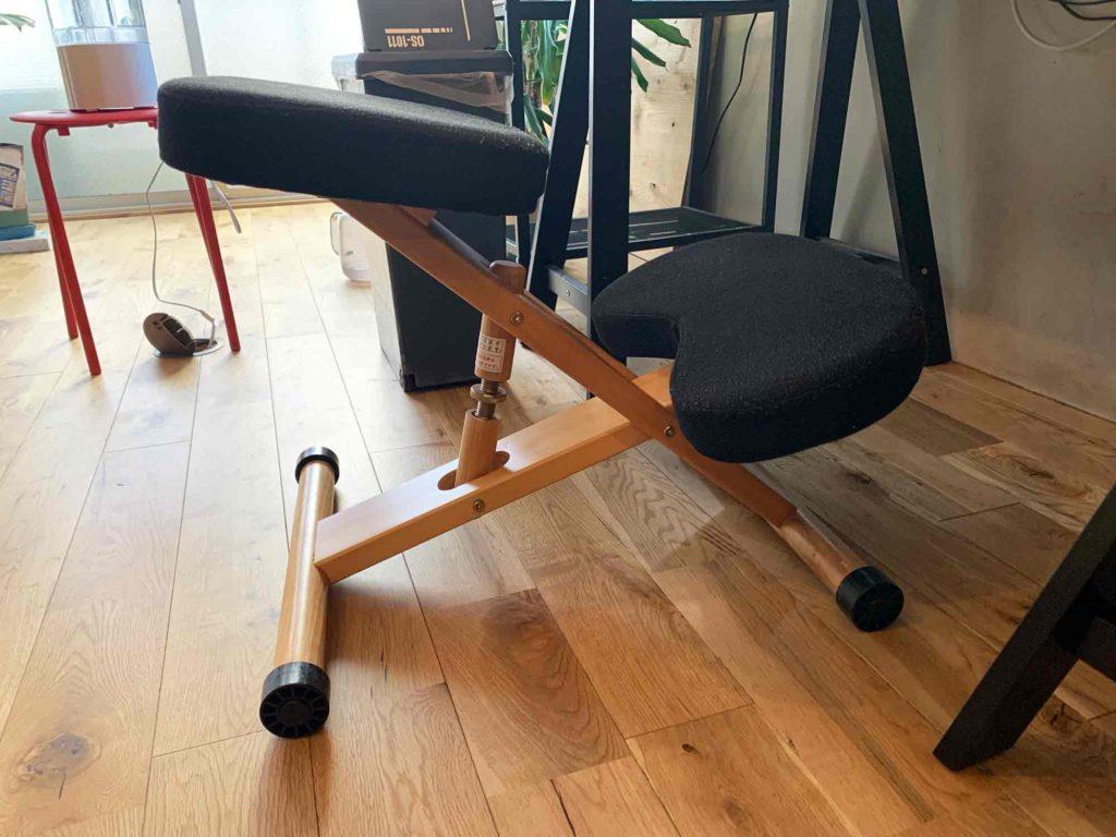 オフィスで腰痛対策として使用しているプロポーションチェア