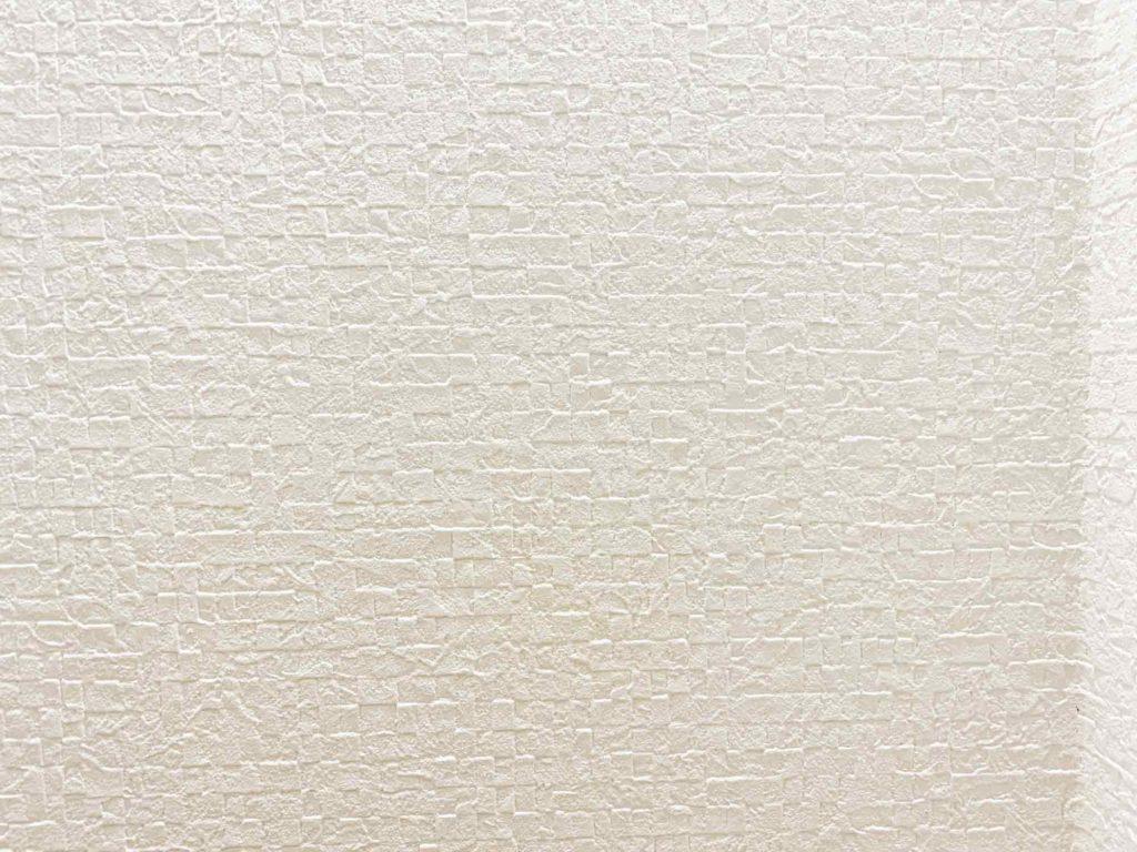 壁紙の黄ばみをカビキラーで除去した