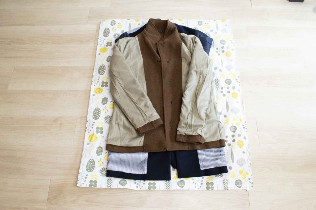 冬服やコートも布団圧縮袋に入れて収納する