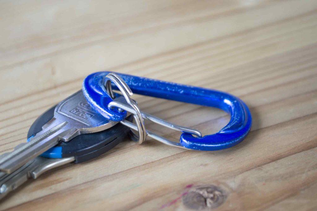 カラビナに装着した鍵