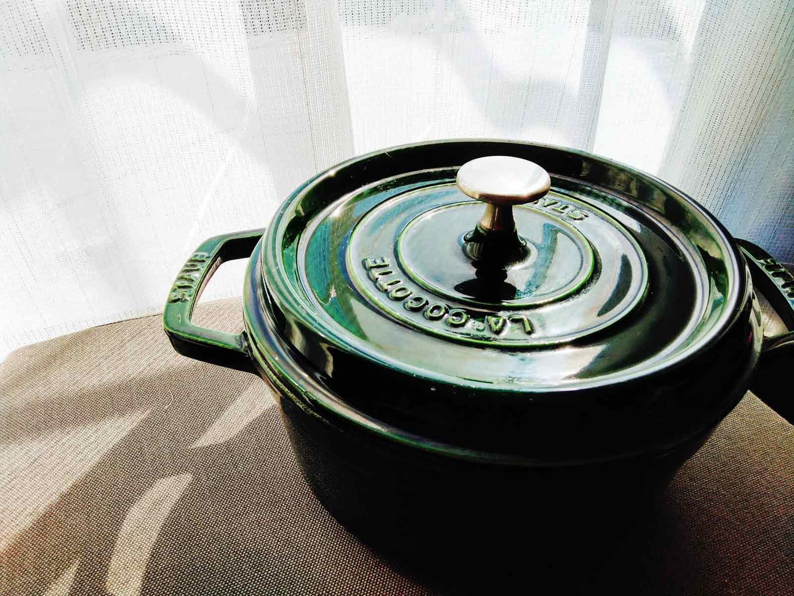 深緑色のダッジオーブン